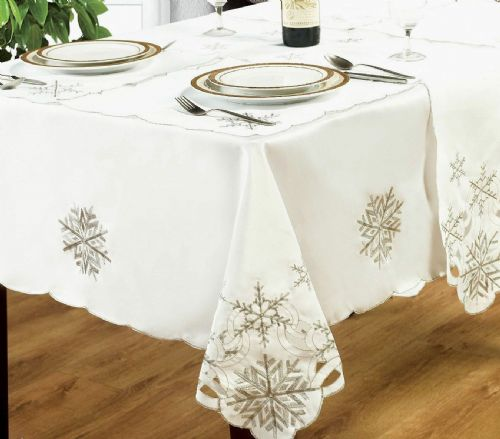 SNOWFLAKES EMBROIDERED XMAS CHRISTMAS TABLECLOTH OR RUNNERS DINNER PARTY LINEN